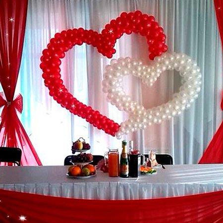 Свадебные сердца из шаров