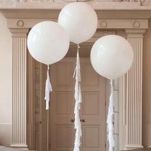 Большие белые воздушные шары