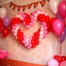 Сердце из шаров на стену